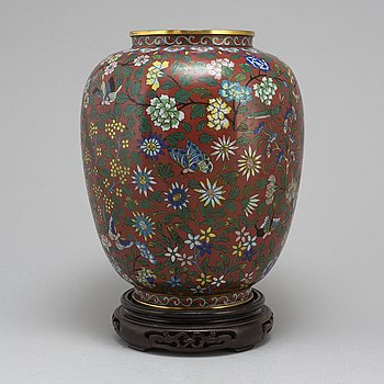 A Chinese cloisonne vase, 20th century.