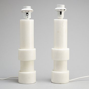 A pair of alabaster table lights, second half of the 20th century.