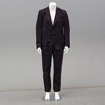 BOTTEGA VENETA, a striped cupro suit, Italian size 50-54.