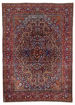 A CARPET, semi-antique silk Kashan, ca 363 x 259,5 cm.