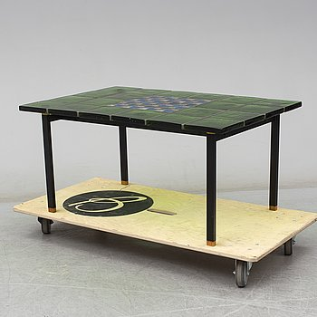A second half of the 20th century glass table by Christer Sjögren, Lindshammars glasbruk.