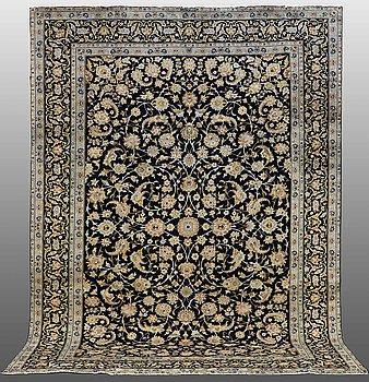 A CARPET, Kashan, signerad, ca 377 x 275 cm.
