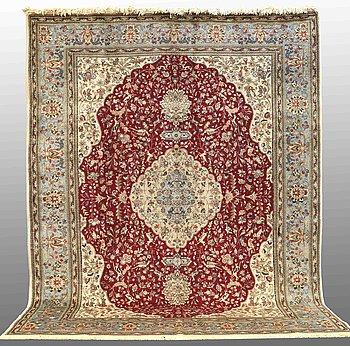 "A CARPET, Figural Tabriz , so called "" Tabatbai""   signerad 385 x 290 cm."