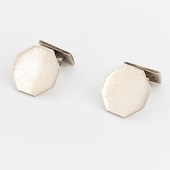 A pair of Wiwen Nilsson cufflinks.
