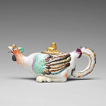 308. A porcelain tea pot with cover, presumably Samson, 19th Century.