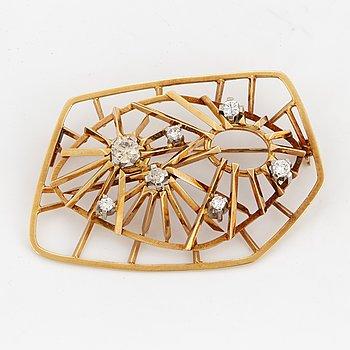 CLAËS GIERTTA, Brooch 18K gold with brilliant-cut diamond.