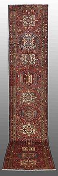 A RUNNER, Karadja, ca 445 x 85 cm.