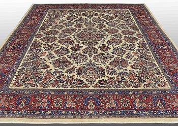 A carpet, Sarouk, ca 392 x 282 cm.