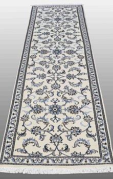 A RUNNER, Nain part silk, ca 300 x 76 cm.