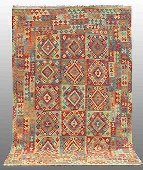 A carpet, Kilim, ca 303 x 197 cm.