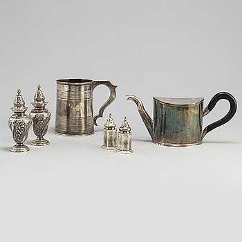 A collection of six silver objects, mainly England, mainly 19th century.