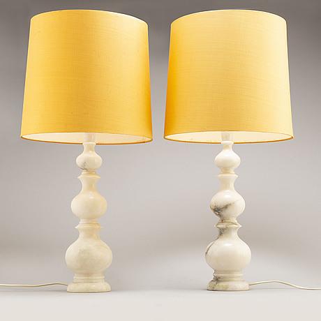 Bordslampor, ett par, alabaster, italien, 1960/70-tal.