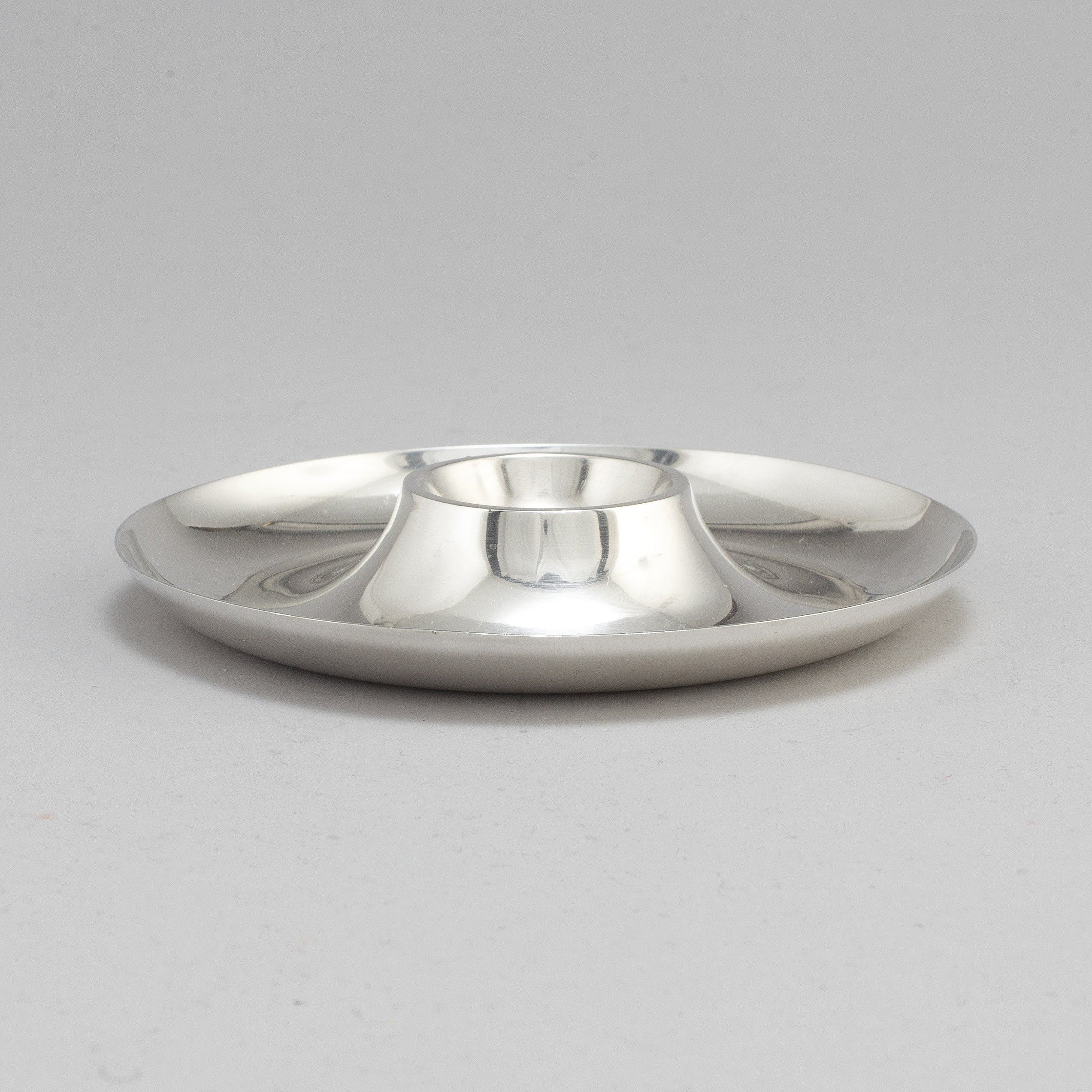 ada03738e4d6 WIWEN NILSSON, a sterling silver egg cup, Lund 1945. - Bukowskis