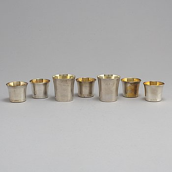 5+2 silver beakers, ohan Carlsson, Norrköping 1836 and K. Torndals Juvelerare, Stockholm 1970-75.