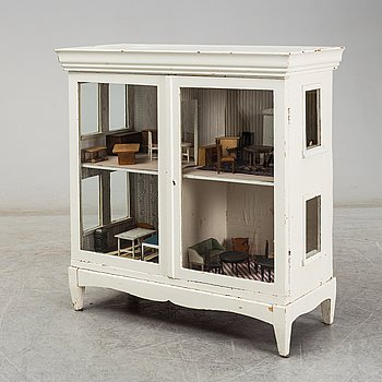 DOLL HOUSE, first half of the 20th century.