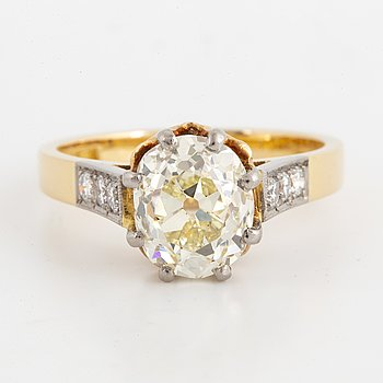Old-cut ca 2,50 ct diamond ring.