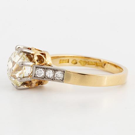 Ring med gammalslipad diamant ca 2.50 ct