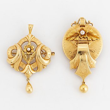 18K gold broches/pendants.