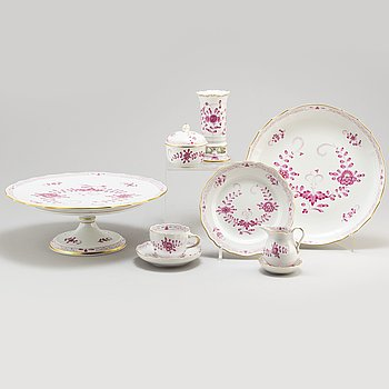 A second quarter of the 20th century 59 piece Meissen porcelain service, second quarter of the 20th century.