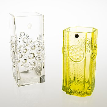 TAMARA ALADIN, Two glass vases, 'Musica' 1362 and 'Rondella' 1497, Riihimäen Lasi. Designed in 1973 and in 1967.