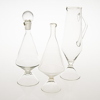 TAMARA ALADIN, Three clear glass decanters of the X-series, Riihimäen Lasi 1961-64. Models designed in 1961.