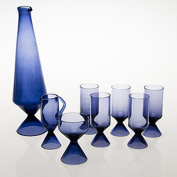 TAMARA ALADIN, A set of 5 drinking glasses, a decanter, a sugar bowl and a cream jug, X-series, Riihimäen Lasi 1961-64.