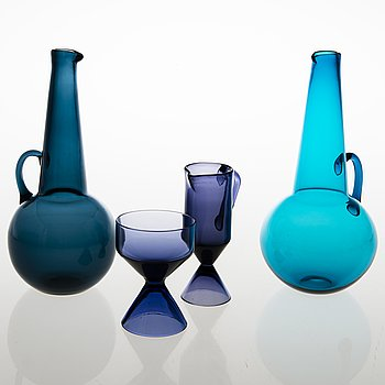 TAMARA ALADIN, Two decorative bottles, a sugar bowl and a cream jug, Riihimäen Lasi, Finland 1961-64.