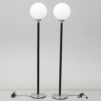JO HAMMERBORG, a pair of standard lights, Denmark.