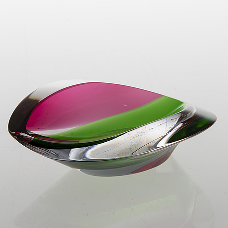 Aimo okkolin, a bowl signed aimo okkolin, riihimäen lasi oy.