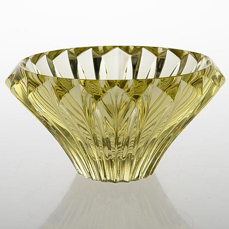 Aimo okkolin, a 'petals' bowl, signed aimo okkolin riihimäen lasi oy.