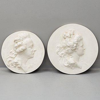 MEDALJONGER, ett par. Kopior efter J T Sergel, 1900-talets slut.