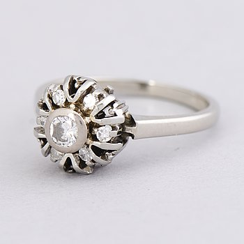 A RING, brilliant- and 8/8 cut diamonds, 18K white gold.