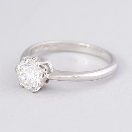 Ring, briljantslipad diamant, 18k vitguld. a. tillander, helsingfors 2003