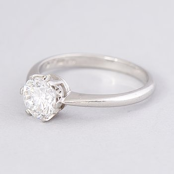 A RING, brilliant cut diamond, 18K white gold. A. Tillander, Helsinki 2003.