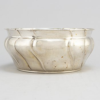 A Danish parcel gilt silver bowl dated 1910.