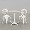 TrÄdgÅrdsgrupp,  bord samt två stolar, 1900 tal