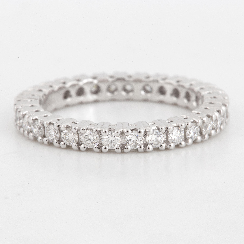 Eternity brilliant-cut diamond ring, ca 0,95 ct  - Bukowskis