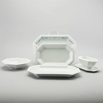 A porcelian table ware of  126 pcs by Rosenthal, from the latter half of the 20th century / 21 century.