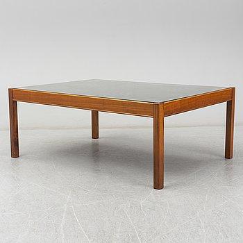 OVE LINDBLOM, a walnut and copper coffee tabel.