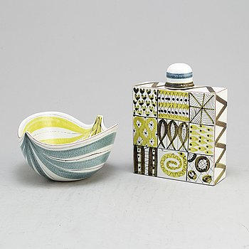 A second half of the 20th century faiance bowl and flask by Stig Lindberg, Gustavsberg.
