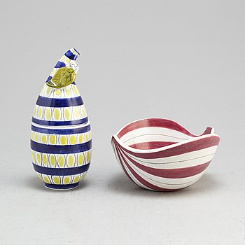 A second half of the 20th century faiance bowl and lidded bowl by Stig Lindberg, Gustavsberg.