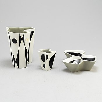 CARL-HARRY STÅLHANE, Two vases and a bowl, porcelain, 'Konstrakta/SNT', porcelain, by Carl-Harry Stålhane, Rörstrand, designed in 1953.