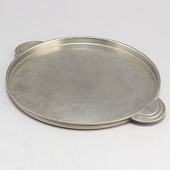 A pewter tray from Astrid Aagesen, Helsingborg 1928.