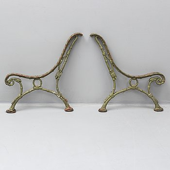 A pair of cast iron sides, early 20th century.