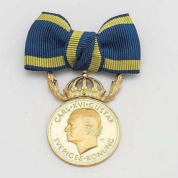 """MEDALJ 23K guld """"För nit och redlighet i rikets tjänst"""" ca 16,1 gram."""
