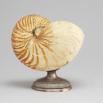 THEODOR JORTZ. A silver and shell bowl. Skänninge, 1826.