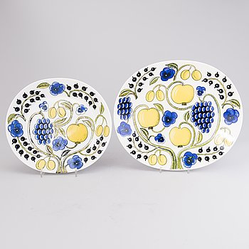 BIRGER KAIPIAINEN, Two Paratiisi Ceramic Serving Plates by Arabia.