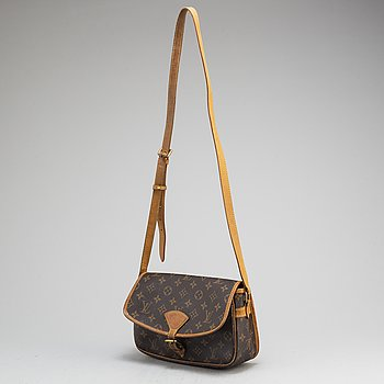 LOUIS VUITTON, a 'Solonge' monogram canvas handbag.