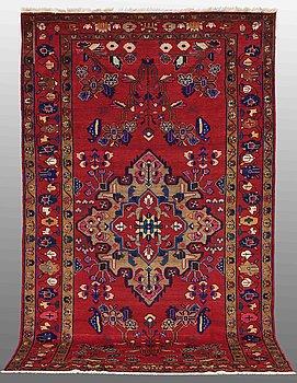 A carpet, Lilihan, ca 310 x 186 cm.