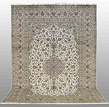 MATTA, Keshan, signerad, ca 352 x 245 cm.